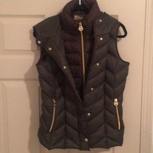 MICHAEL KORS Olive Green Puffer Vest
